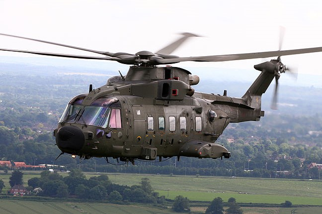 800px RAF Merlin HC3A Helicopter of No28 Sqn MOD 45154033 2